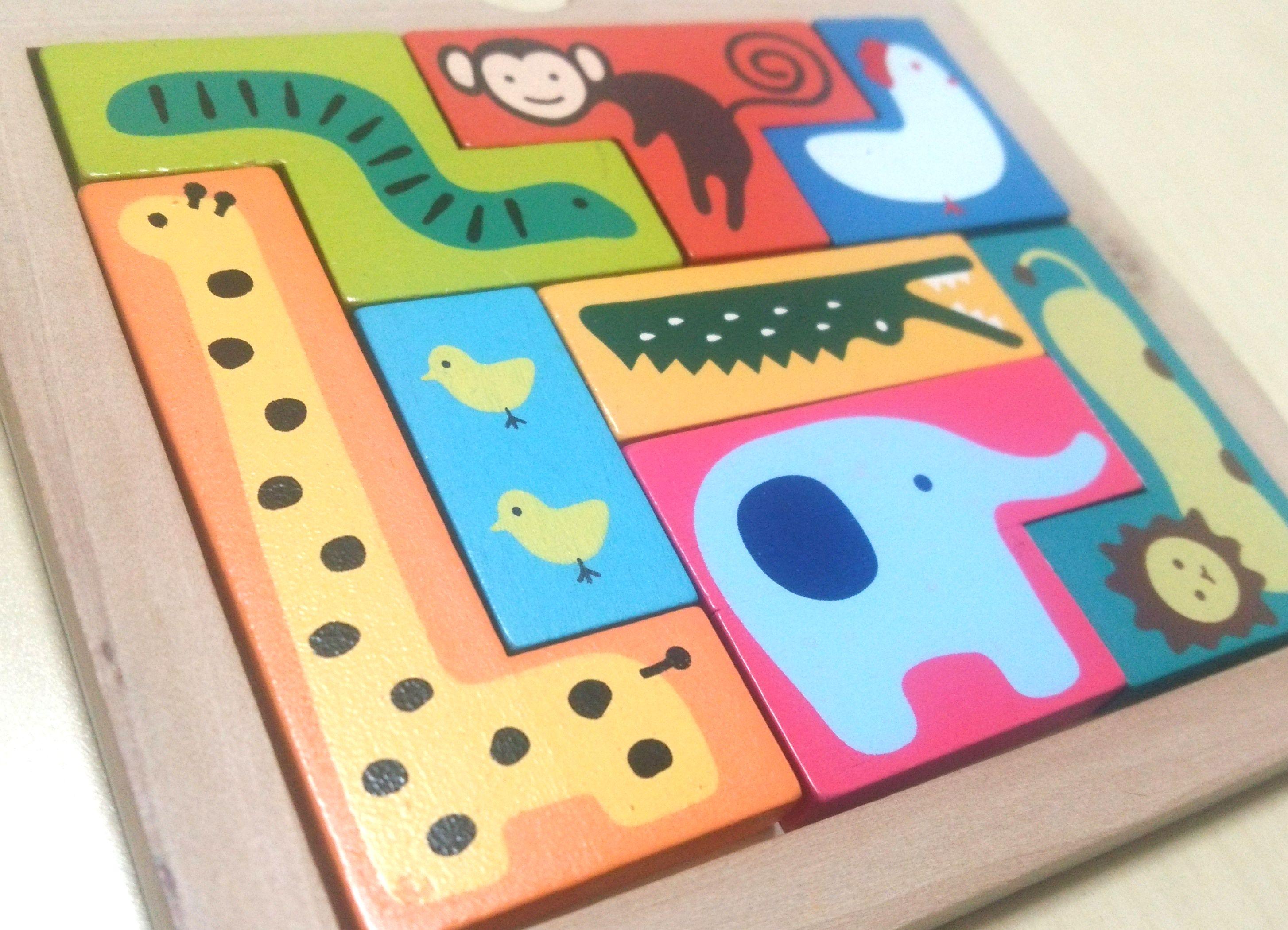 木のぬくもりがやさしい木製パズル。イラストもキュートな『どうぶつパズル』