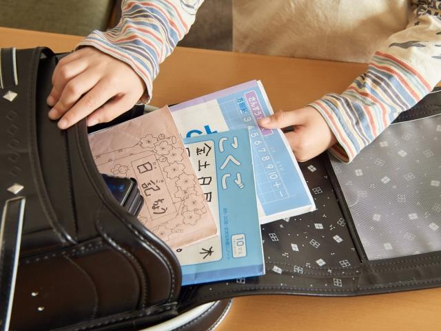 小学校入学準備でドリルをする前に。小学生で勉強につまずかないため幼児期にしておくべきこととは?