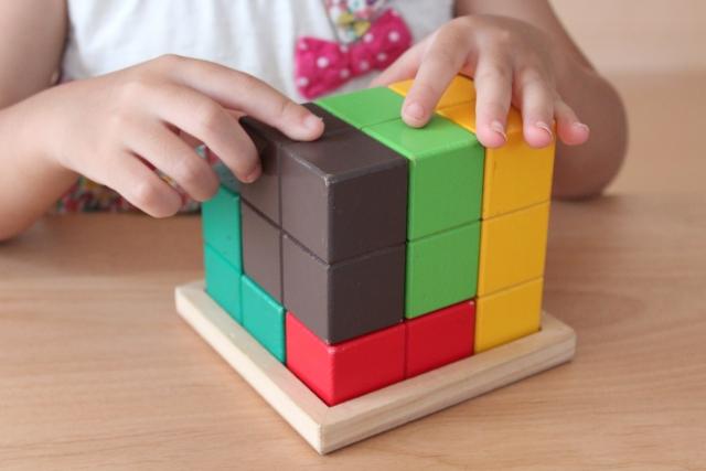 「図形が苦手」な子どもにしないために。おうちでパズルや積み木に取り組む時に意識したいポイント